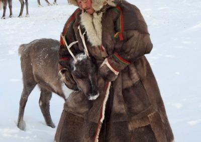 Seyakha Nenets woman in the northern Yamal Peninsula tundra